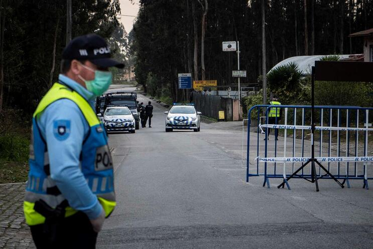 Entradas e saídas no conelho estão a ser controladas pelas autoridades