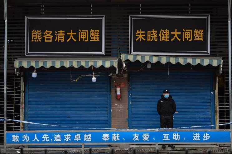 Novo coronavírus foi detetado no final de 2019, em Wuhan, uma cidade do centro da China