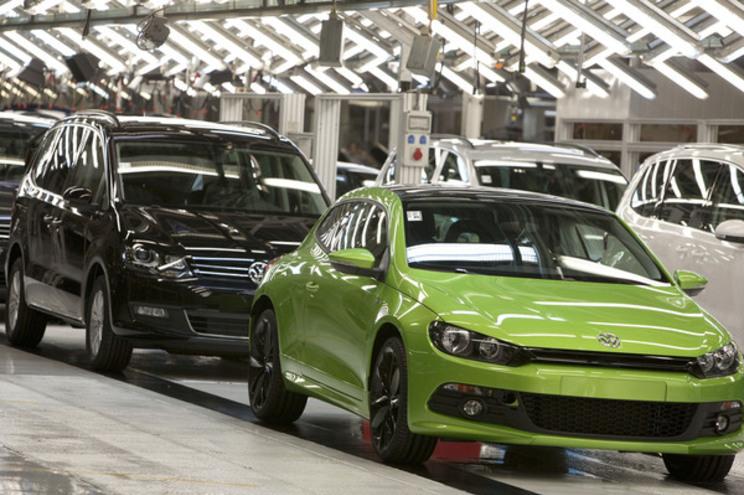 Autoeuropa admite que novas paragens de produção podem obrigar a lay-off