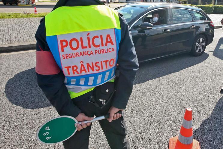 Entre 30 de outubro e 3 de novembro, a circulação entre concelhos fica suspensa