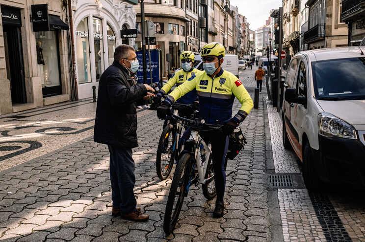 Ciclopatrulhas do Porto passam 45 multas por dia