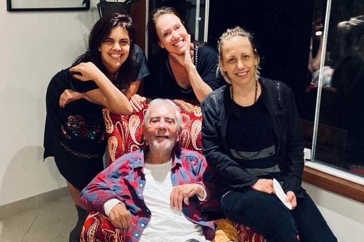 Paulo José e as três filhas, as atrizes Ana Kutner, Bel Kutner e Clara Kutner