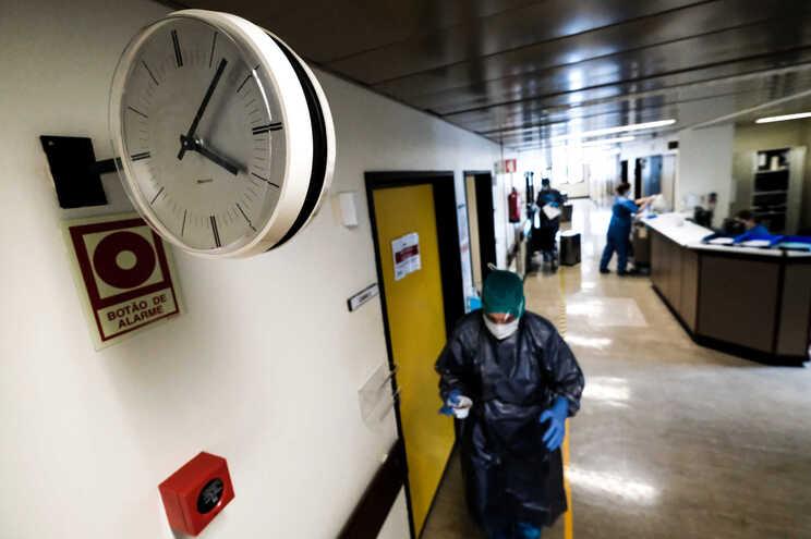 Mais uma morte e 112 casos de covid-19 em Portugal