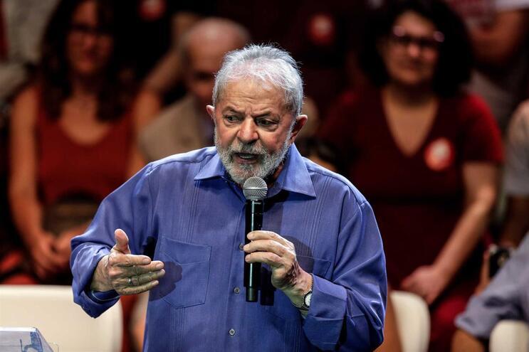 Ex-presidente do Brasil vai estar em fevereiro em Itália