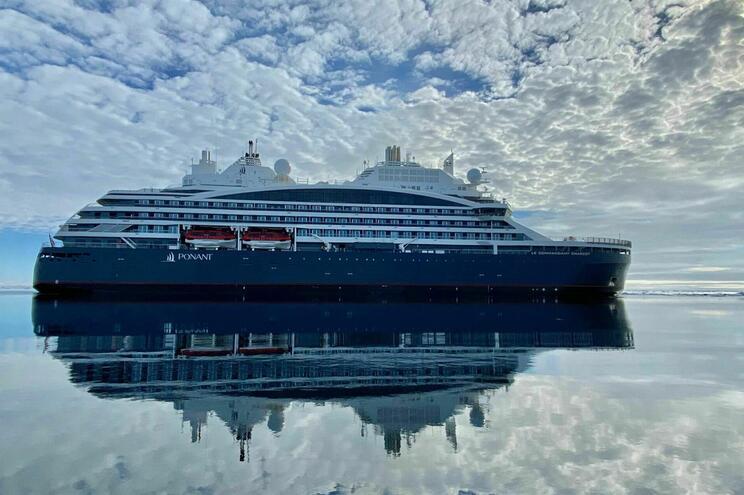 """Este navio """"com zero emissões para a atmosfera"""" dispõe de dois laboratórios e equipamentos de investigação"""