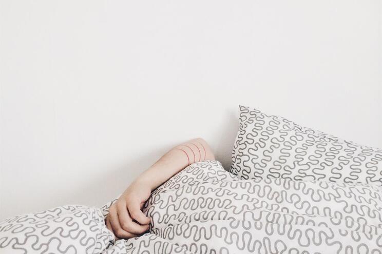 """Sono profundo limpa """"resíduos do cérebro"""", indica investigação"""
