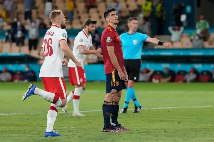 Espanha voltou a escorregar este sábado