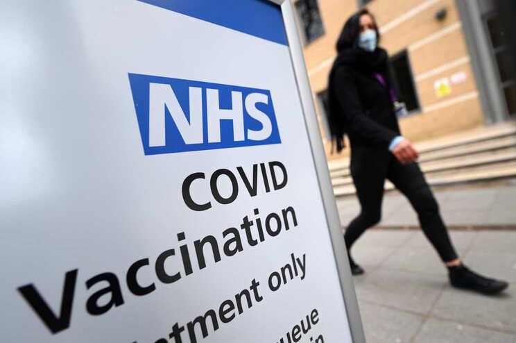 Até terça-feira, 31.807.124 pessoas receberam a primeira dose da vacina, das quais 6.091.905 receberam