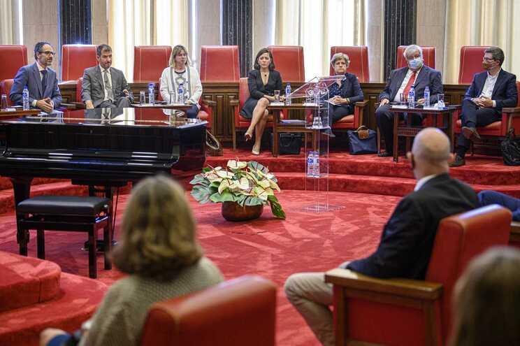 Lei para combater corrupção divide especialistas
