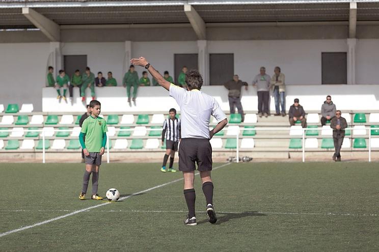 Jovens árbitros são vítimas de ameaças aos familiares e dos próprios jogadores