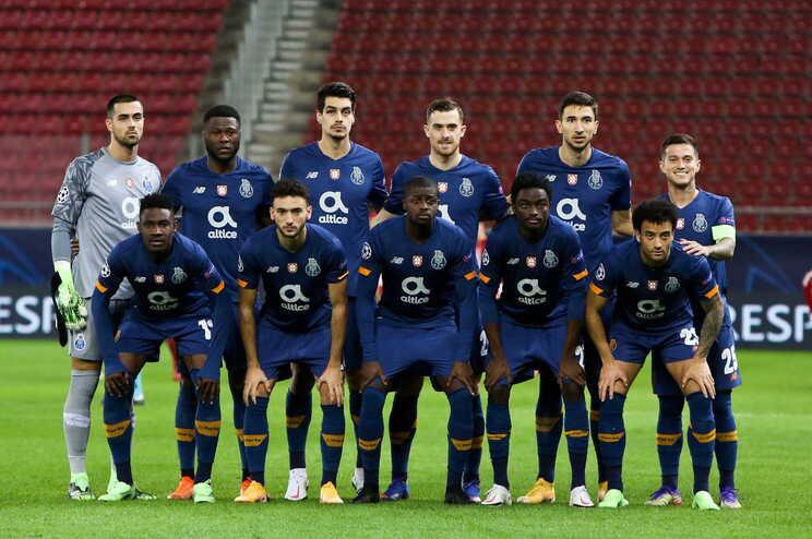 F. C. Porto venceu o Olympiacos (2-0) no último jogo da fase de grupos