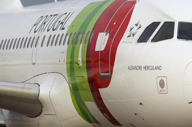 O voo TP9352 partiu do Aeroporto Internacional Simón Bolívar de Maiquetía pelas 12.06 horas locais