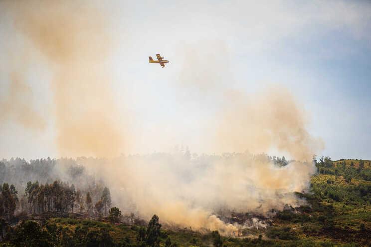 Perigo de risco de incêndio leva a reforço de meios