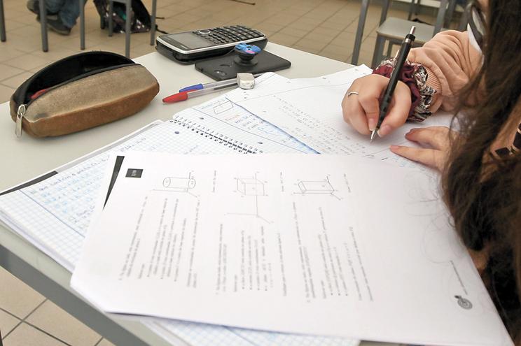 Comissão analisa acesso ao Ensino Superior