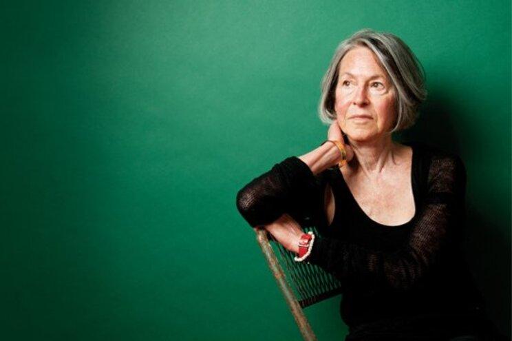 Plano de reedição da obra poética completa de Louise Glück prolonga-se por 2021