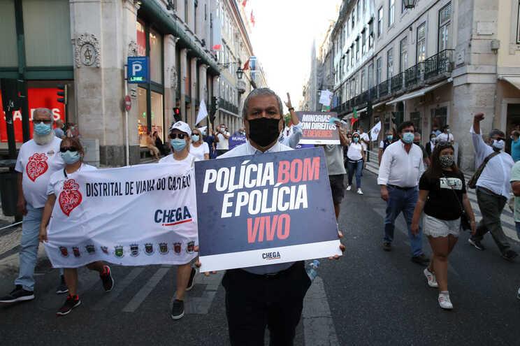 Manifestação foi convocada pelo partido Chega