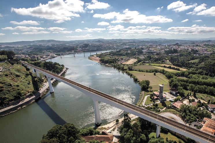 Entre as pontes São João e do Freixo haverá uma nova travessia para carros