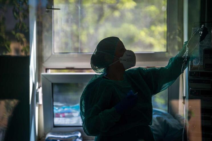 Em todo o mundo, os profissionais de saúde tem sido alvo de discriminação