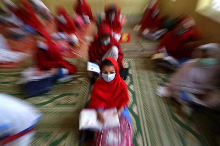 """Paquistão aprova lei """"histórica"""" que proíbe castigos corporais a crianças"""