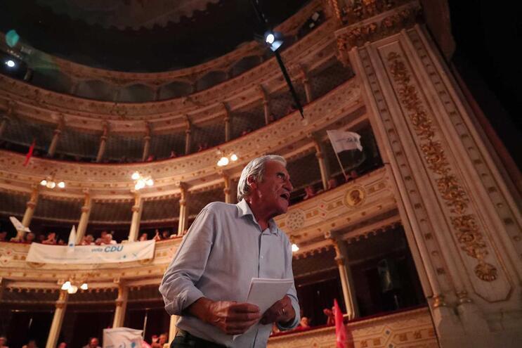 Jerónimo de Sousa, momentos antes de discursar durante um comício da Coligação Democrática Unitária (CDU)