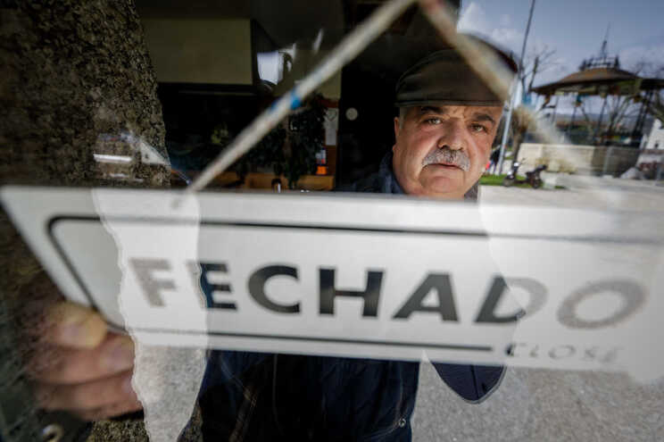 Adelino Ramalho, proprietário do restaurante Central, em Vieira do Minho, fechado por causa da pandemia