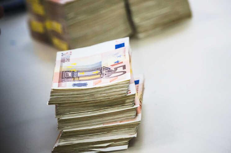 1682 milhões de euros em financiamento