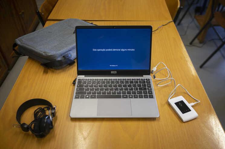 Fundação EDP vai oferecer cerca de três mil computadores