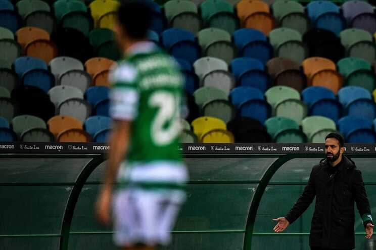 Médico do Sporting suspenso por oito dias