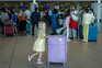 Turistas britânicos no aeroporto de Faro no início de junho