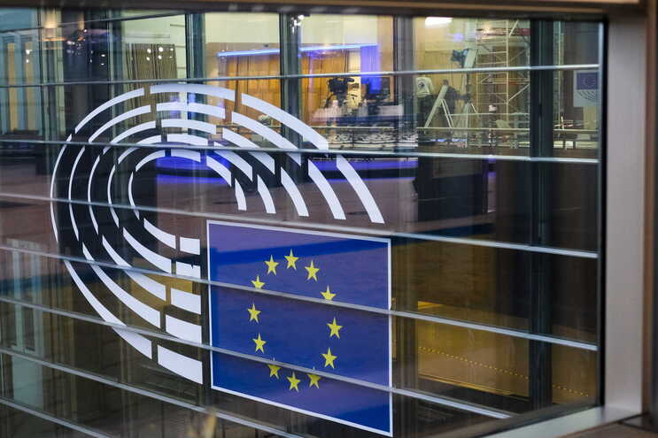 27 Estados da UE pretendem discutir com a nova administração dos EUA temas como a defesa e a política