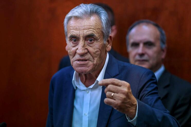 Jerónimo diz que estabilidade política não depende só do PS