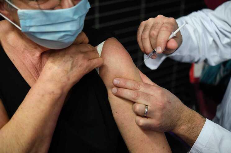 Em França 1.988.752 pessoas já receberam as duas doses de vacina contra a covid-19