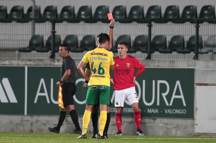 Eustáquio foi expulso diante do Benfica