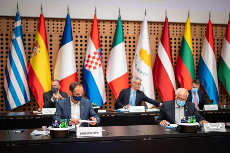 Os chefes de diplomacia da União Europeia estiveram reunidos na Eslovénia