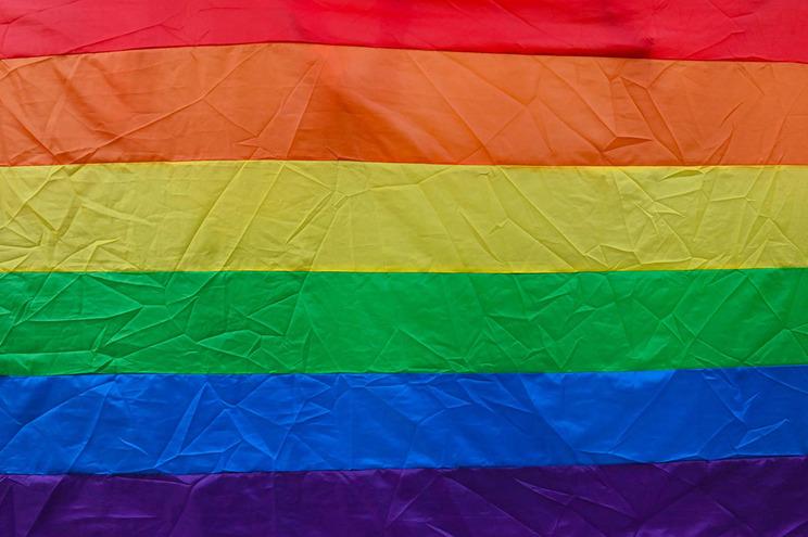 Atos sexuais entre pessoas do mesmo sexo ainda são crime em 60 países