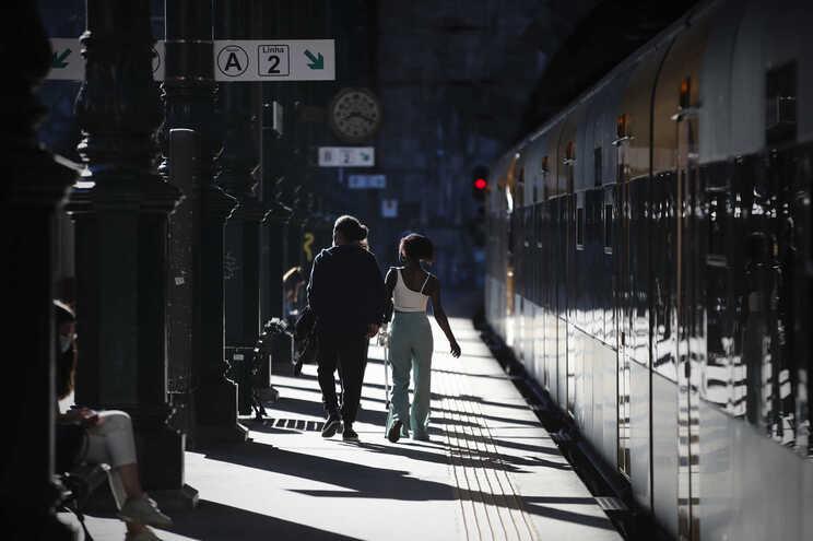 Greve dos trabalhadores da IP levou à supressão de 72 comboios até às 8 horas