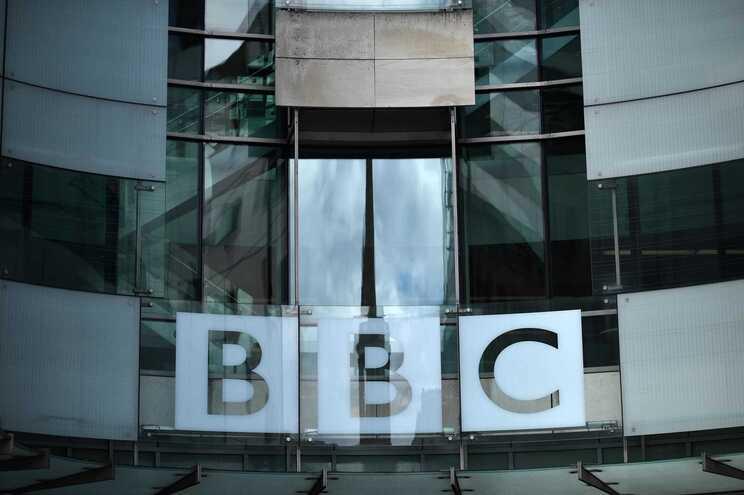 Reino Unido diz que decisão é um atentado à liberdade de imprensa
