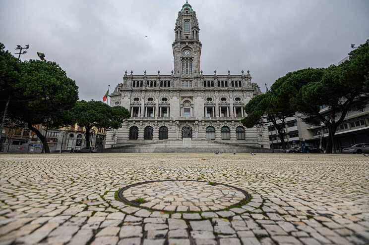 Porto, Coimbra e Faro só comunicam manifestações à polícia, garantem autarcas