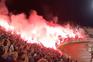 Adeptos encheram estádio de futebol na Sérvia sem distanciamento social