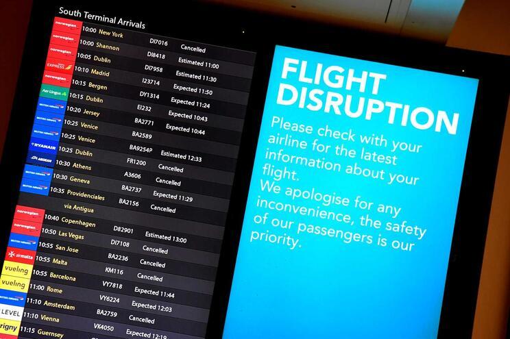 Em dezembro, a presença de drones nas redondezas forçou ao encerramento da única pista do aeroporto