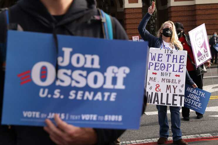 Os republicanos apostam tudo na derrota de Jon Ossoff, 33 anos, o mais jovem e inexperiente dos democratas