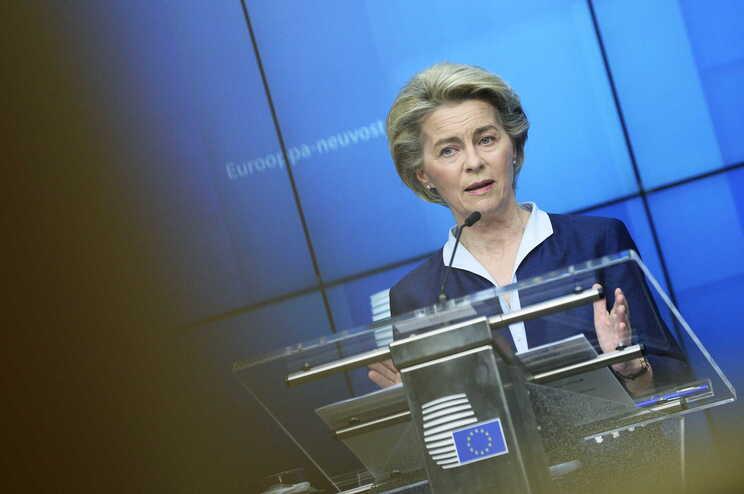 Bruxelas propõe livre-trânsito digital para vacinados e recuperados