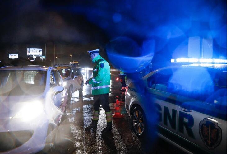 """Já morreram nove pessoas nas estradas na operação """"Natal e Ano Novo"""""""