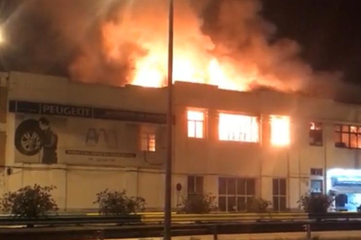 Imagens do incêndio partilhadas no Facebook