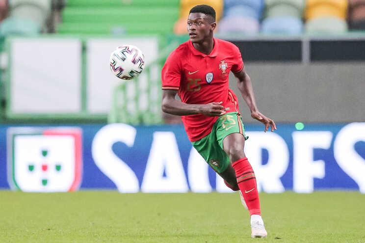 Nuno Mendes vai falhar jogo com a Alemanha