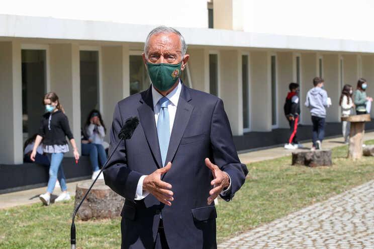 Marcelo espera fim do estado de emergência em abril