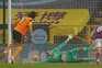 Fábio Silva sofreu e converteu a grande penalidade, apontando o primeiro golo na Premier League