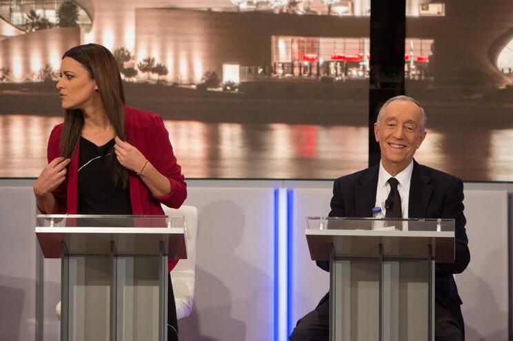 Marisa Matias e Marcelo Rebelo de Sousa em debate televisivo nas eleições presidenciais de 2016