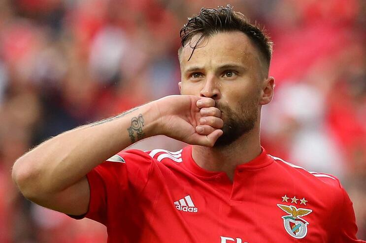 Seferovic, jogador do Benfica
