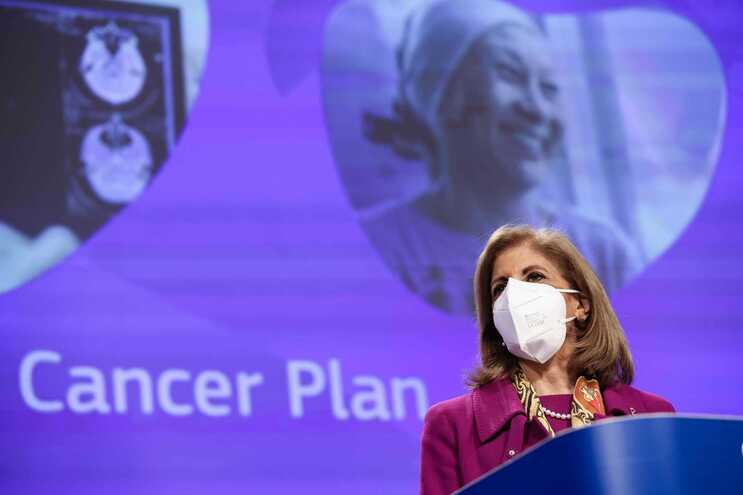 Stella Kyriakides, comissária da Saúde dos 27